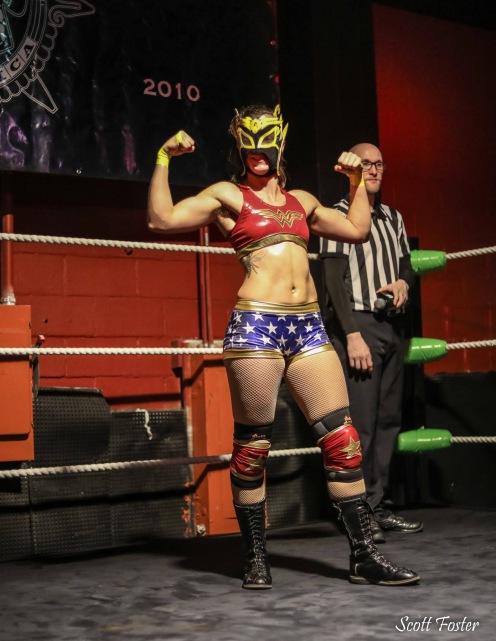 Avispa's Wonder Woman Top, Shorts & Kneepad Covers