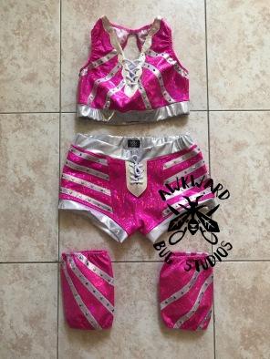 Danika Della Rouge- Top, Shorts, & Kneepad overs